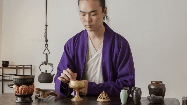 Liang and his array of xīang-making tools. Photograph by Yang Xiaozhe.