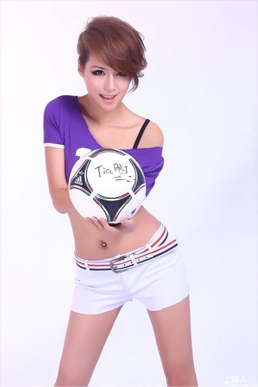Euro_2012_Babes_59