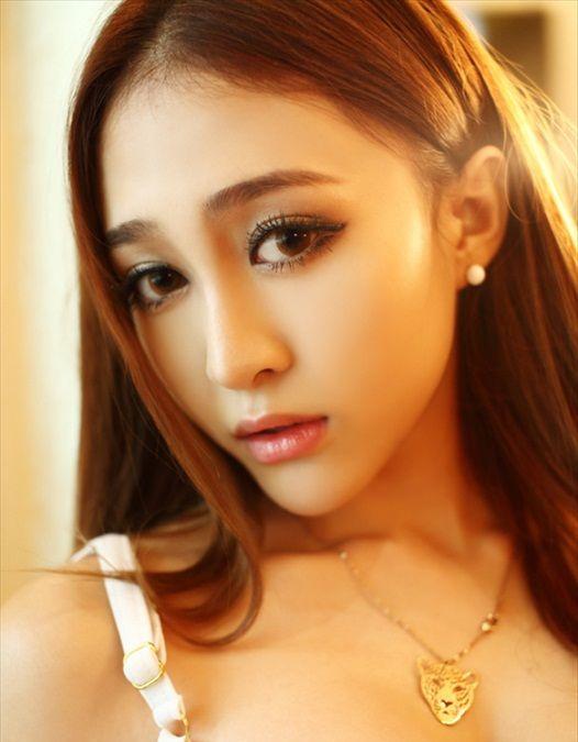 Yuan_Ting_Ting_211