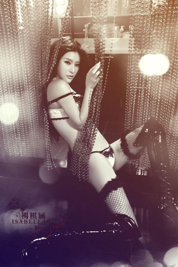 Yang_Qi_Han_Lingerie_9