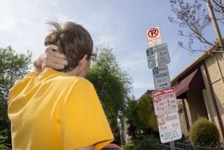 210 320x214 - 洛杉矶市将启用新型的停车指示牌