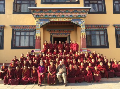8. 德噶光明寺拍團體照