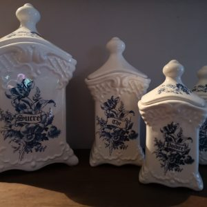 Lot pots à épices en porcelaine fait mains