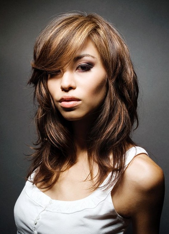 medium-hairstyles-for-women-with-thick-hairmedium-haircuts-for-thick-hair-with-bangsmedium-hairstyles-women-rata3lij