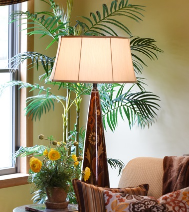 small_living-room_lamp