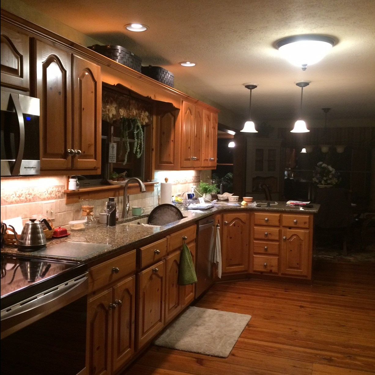 kitchen-cabinets-before-make-over