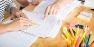 student-tutor-grafeio-meleti
