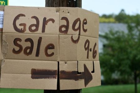 Garage_sale_sign