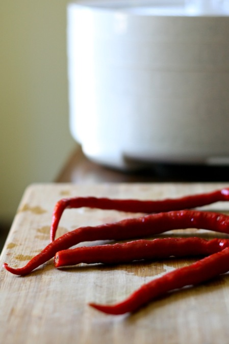 drying_ceyanne_peppers