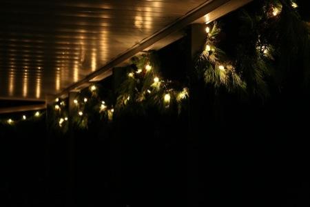 Christmas_lights_at_night