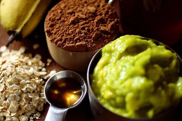 Chocolate avocado energy bites