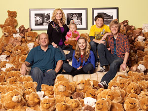"Disney Channel's New Show ""Good Luck Charlie"" Extended Clip"