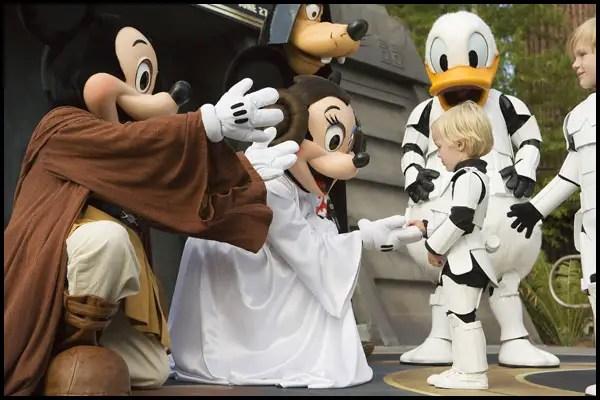 Disney World's 'Star Wars Weekends' 2010 guest list announced