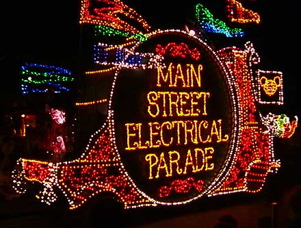 Classic Disney – Main Street Electrical Parade 1999