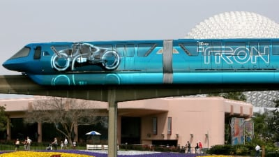 Disneyworld 'Tron-orail' divides Disney faithful
