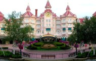 Disneyland Hotel to Renovate Pool Area, Add New Dining Locations and Re-theme Hotel Towers