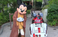 Jedi Master Mickey Mouse and R2-MK outside the Star Tours