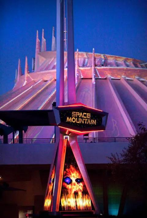 Attraction Insider: Space Mountain Ghost Galaxy at Disneyland Resort
