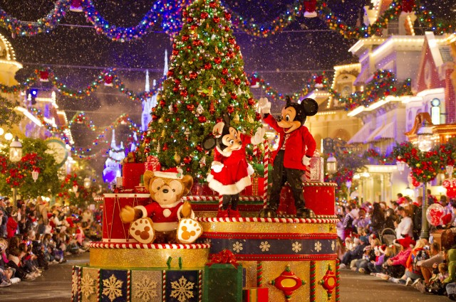 Holidays at Walt Disney World Resort and Disney Cruise Line