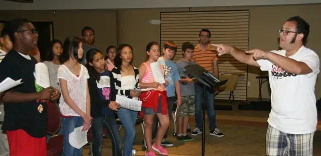 Disney VoluntEARS Bring Music to Kids' Summer Camp