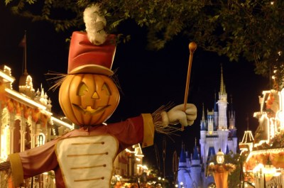 Mickeys not so scary halloween party scarecrow