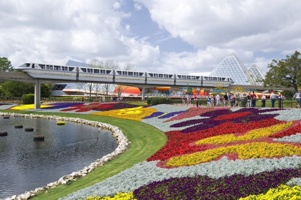 The Epcot Flower and Garden Festival to feature Kermit and Miss Piggy Topiaries