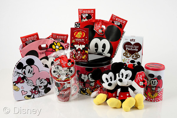 Sweethearts Mickey Mouse and Minnie Mouse Celebrate #DisneyVDay14 with New Valentine's Day Collection