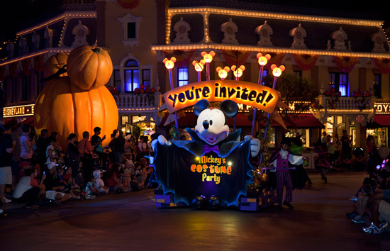 A Must do List for Mickey's Halloween Party at Disneyland