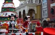 2014 Disney's Christmas Parade at Disneyland Paris