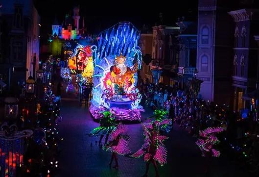 Hong Kong Disneyland – Paint the Night Parade
