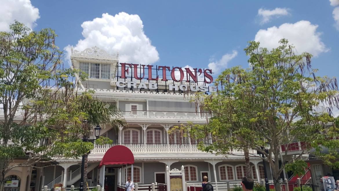 Fulton Crab house to lay off 214 people