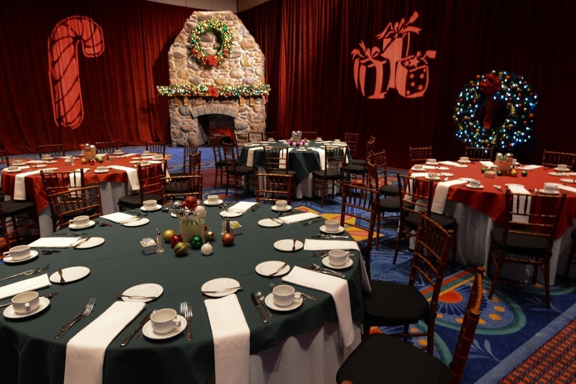 New Holiday Dining Group Events being offered at Walt Disney World for 2016