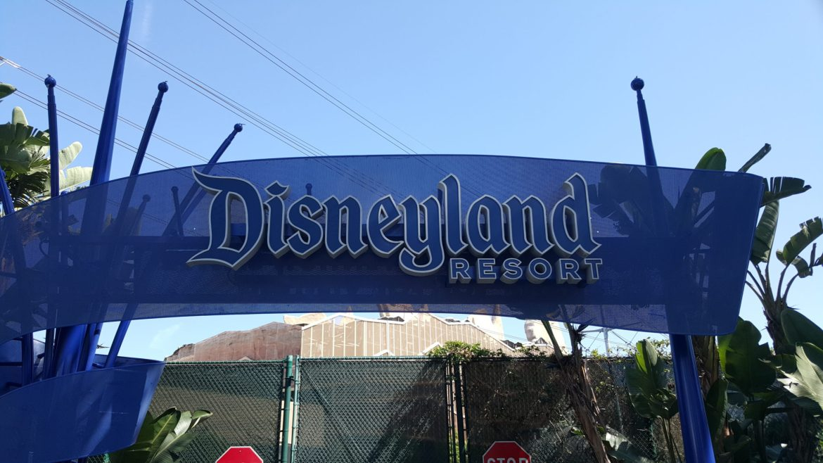 Canadian Residents: Save 25% on Tickets and Enjoy More of the Disneyland Resort