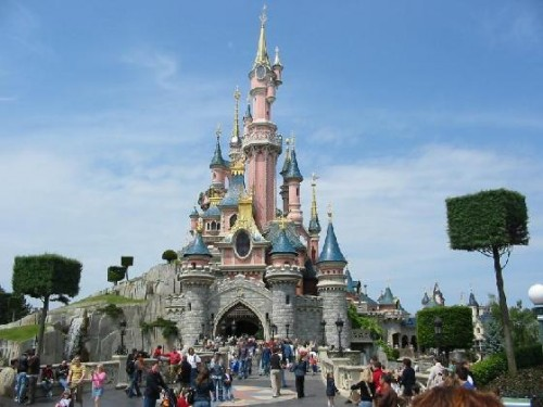 Disneyland Paris to Celebrate 25th Anniversary With New Attractions, Shows and Parade