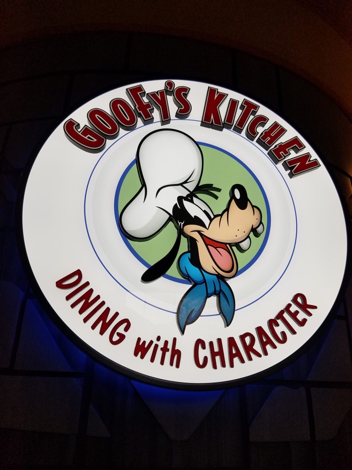 Goofy's Kitchen Offers Abundant Food and Awesome Character Interactions