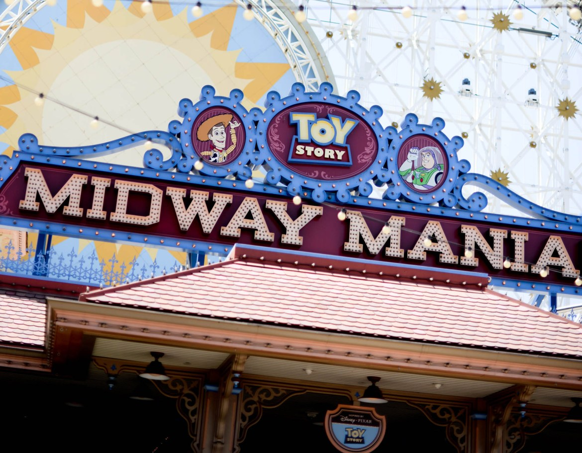 Disneyland Launching New FastPass System for a Fee