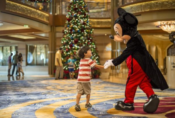 Christmas Cruises 2019.2019 Disney Cruise Line Very Merrytime Cruises Now Available
