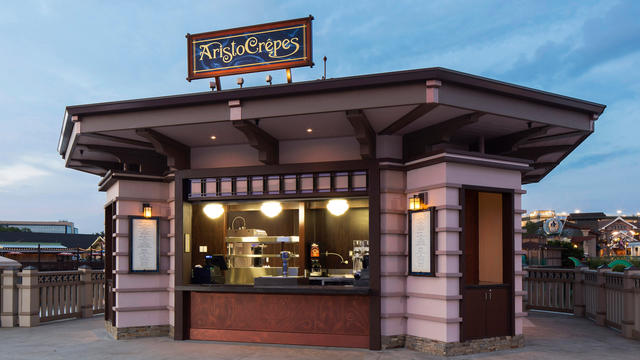 AristoCrepes, B.B Wolf's Sausage Co. and The Daily Poutine at Disney Springs Now Offering Food and Beverage Pairings