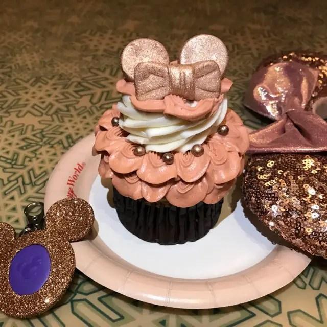 You Can Now Enjoy a Rose Gold Cupcake at Walt Disney World!