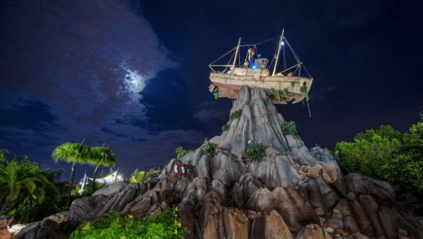 First-Ever V.I.PASSHOLDER Night at Typhoon Lagoon