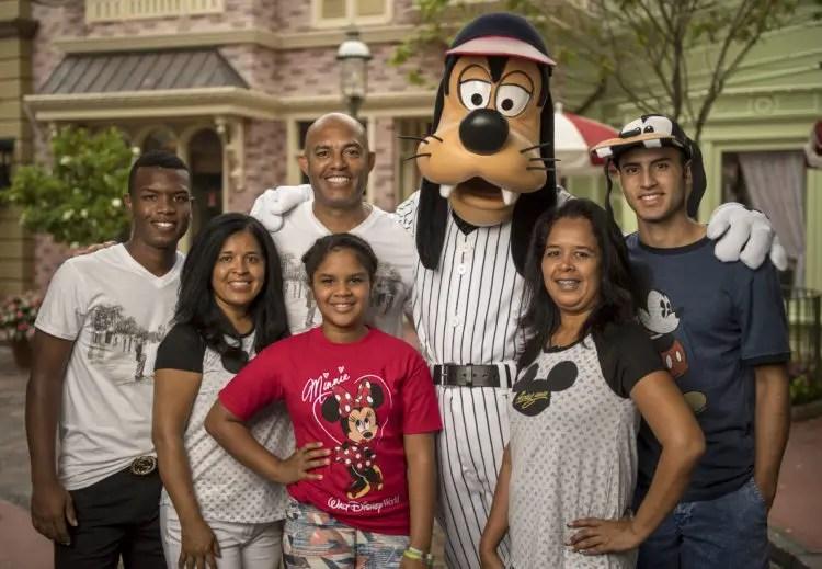 Former New York Yankees All-Star Mariano Rivera Visits Walt Disney World