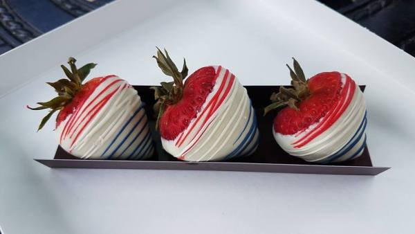 Amorette's Patisserie Independence Day Treats