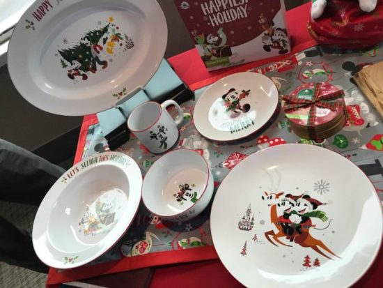 First Look At The 2018 Disney Holiday Merchandise 17