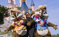 Raven-Symoné Pays a Visit to Disneyland Paris
