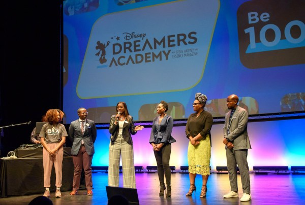 Disney Dreamers Academy Deadline Approaches To Apply For 2019 Mentoring Program 1