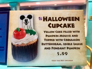 Mickey Tombstone Cupcake is Spine-Chillingly Sweet