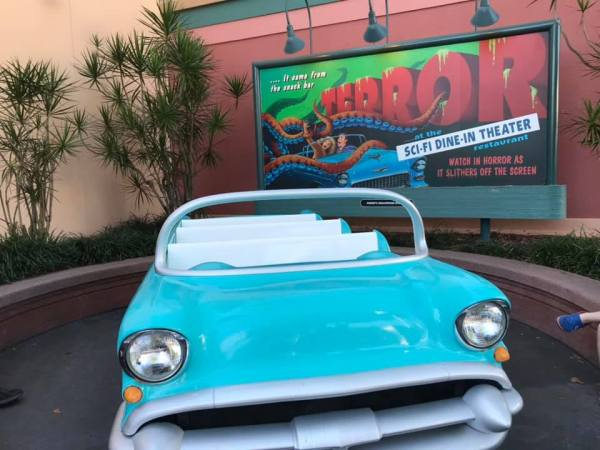 Sci Fi Car Returns in Front of Restaurant After Refurbishment