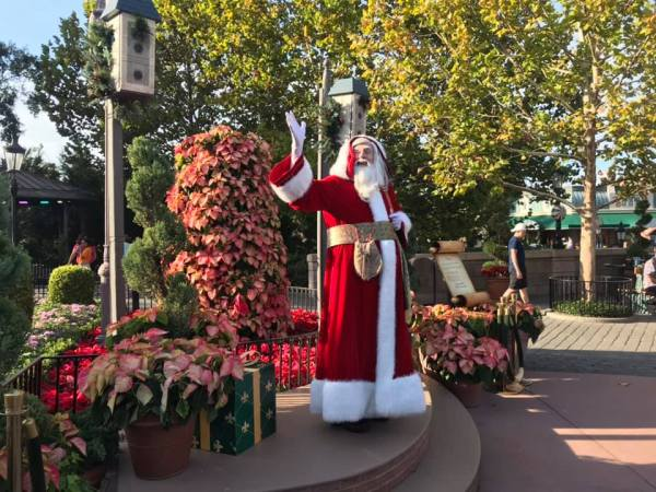 Storytelling Santas Around the World Showcase at EPCOT