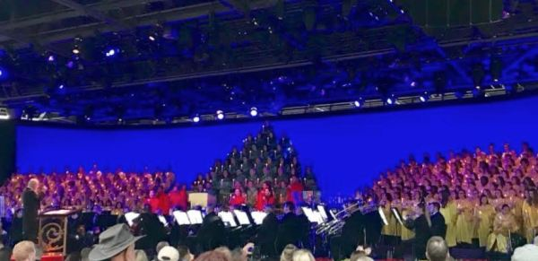2018 Candlelight Processional Opens With First Narrator Chita Rivera 7