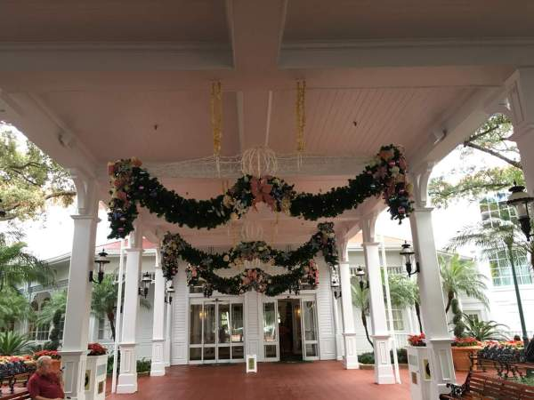 The Grand Floridian is All Decorated for Christmas 1